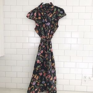 Who What Wear Floral ruffle Dress size Large Ruffl